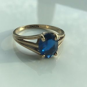 💙Beautiful Sapphire in Tested Solid Gold💙